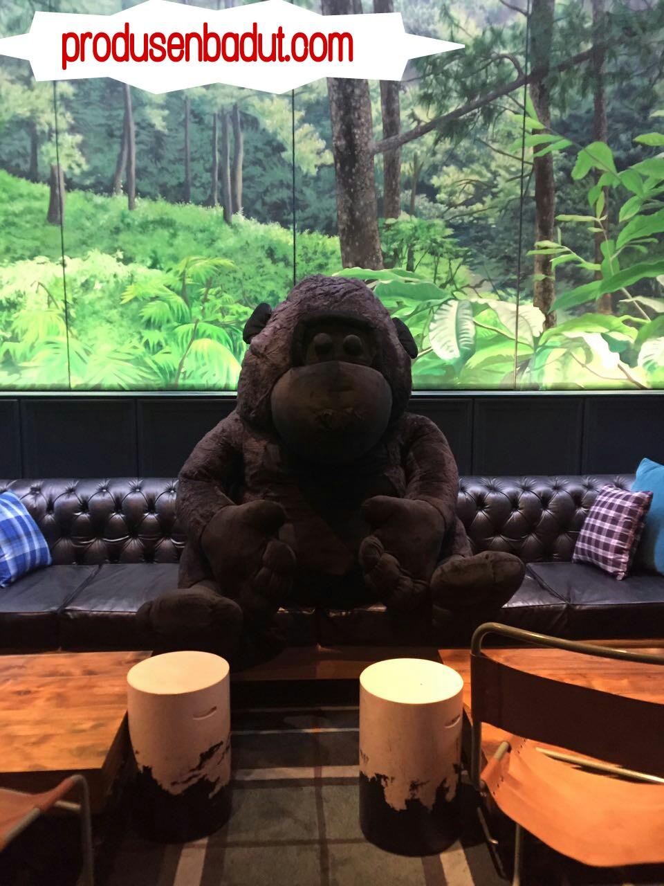 Produsen Badut Maskot Giant Gorilla untuk Kafe di Bandung