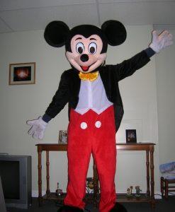 Sewa Badut Ulang Tahun Mickey Mouse Paling Murah di Indonesia