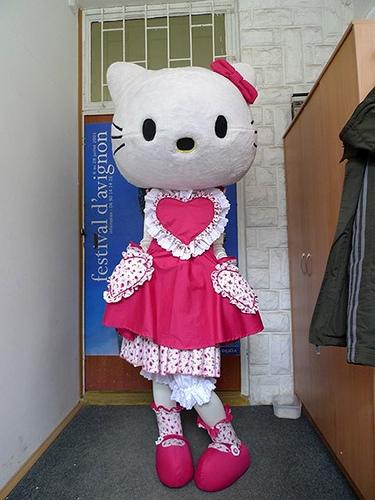 Tempat Sewa Badut Ulang Tahun Hello Kitty di Jogja