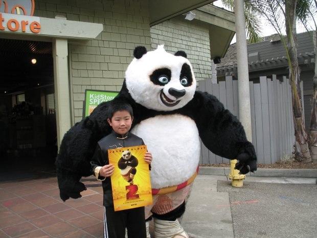 Produsen Badut Karakter Kungfu Panda di Yogyakarta