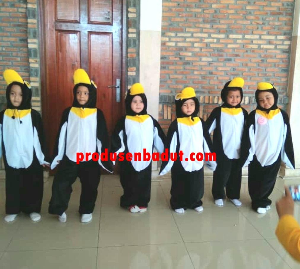 Produsen Kostum Badut Pinguin Pentas Seni Anak-anak
